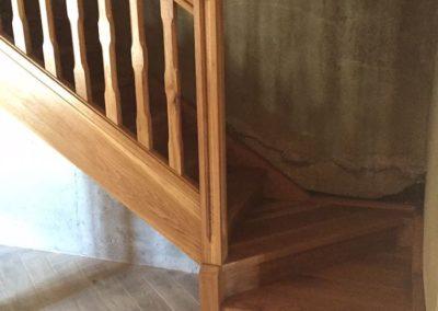 Escalera de madera casa de campo