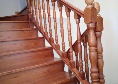Escalera torneada