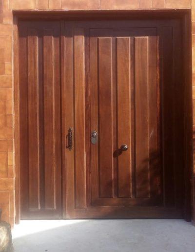 Puerta exterior madera maciza_Puertas Lis