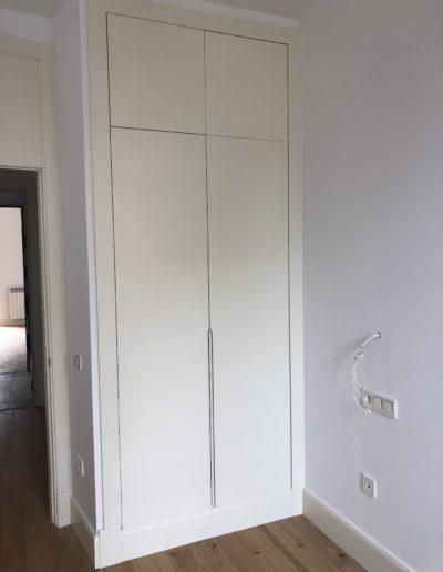 Puertas de armario lacadas en blanco_Puertas Lis