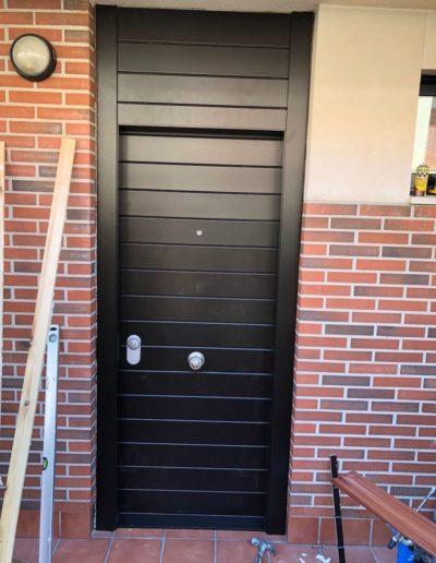 Puerta entrada acorazada mixta con montante_Puertas Lis